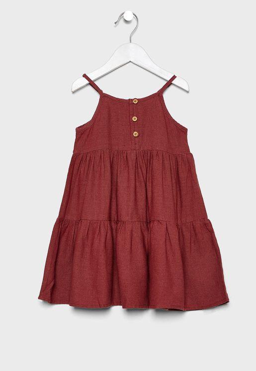 فستان بحمالات مزين بكشكش