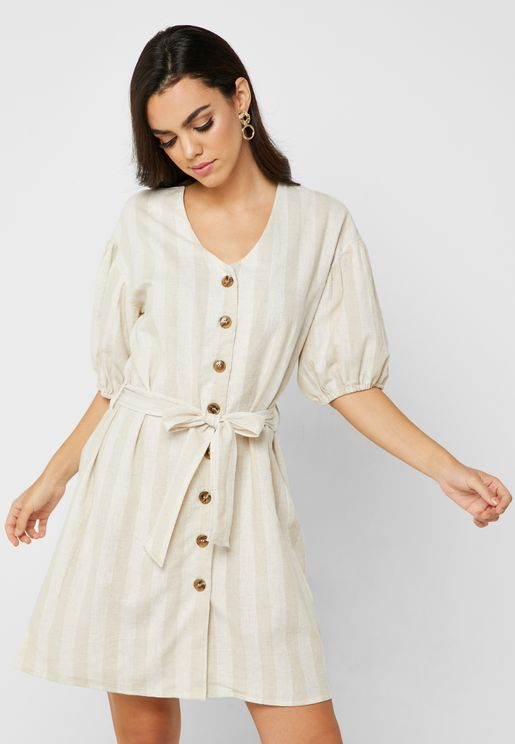 فستان بأربطة حول الخصر