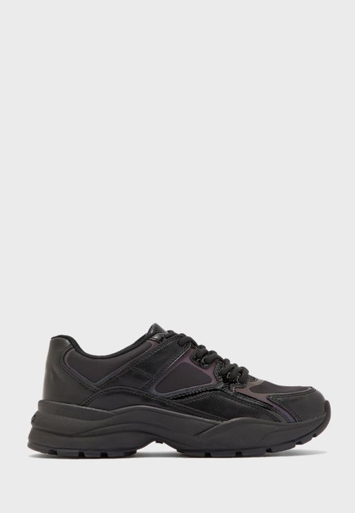 Bretnor Low Top Sneaker
