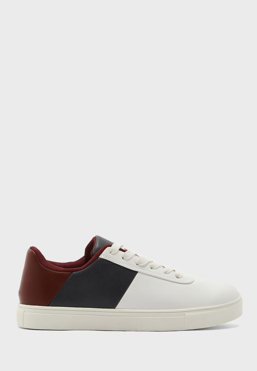 Colour Black Sneakers