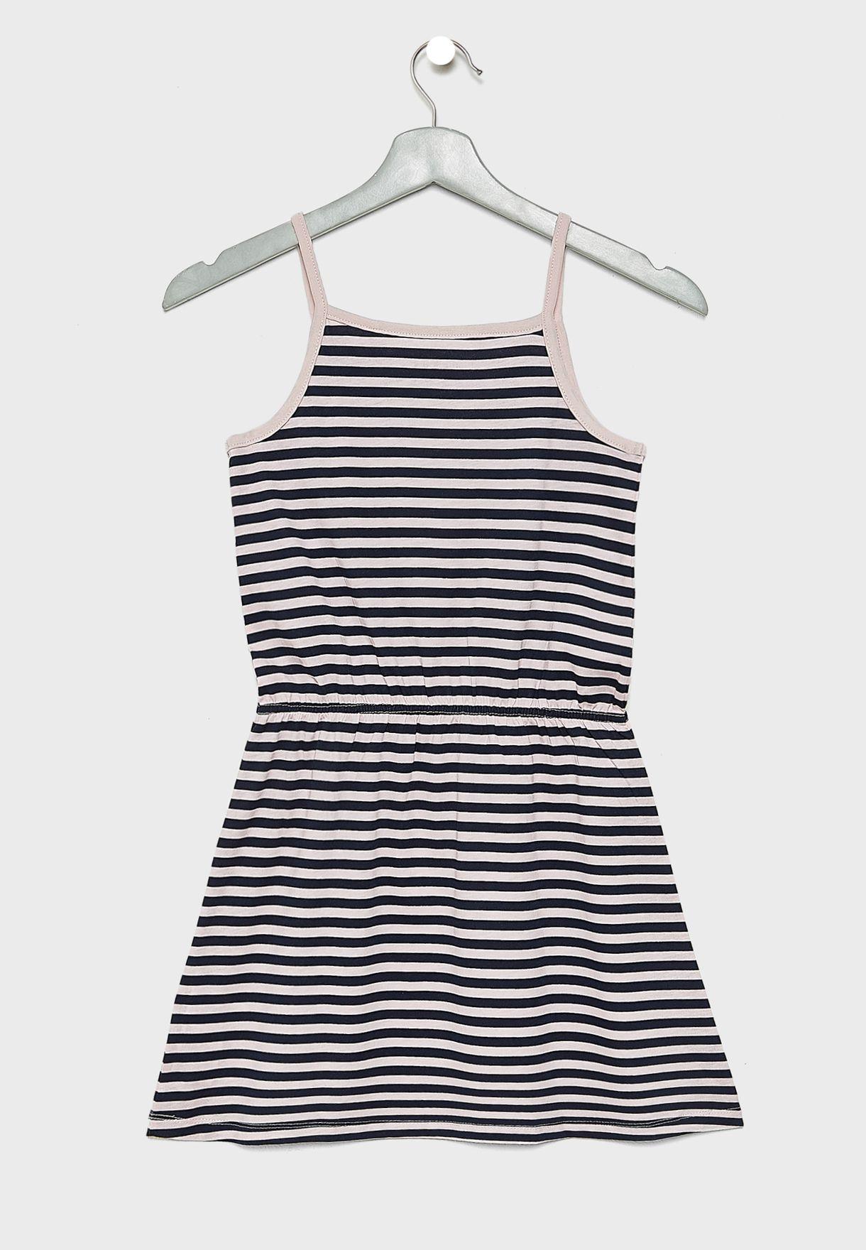 فستان مخطط بحمالات