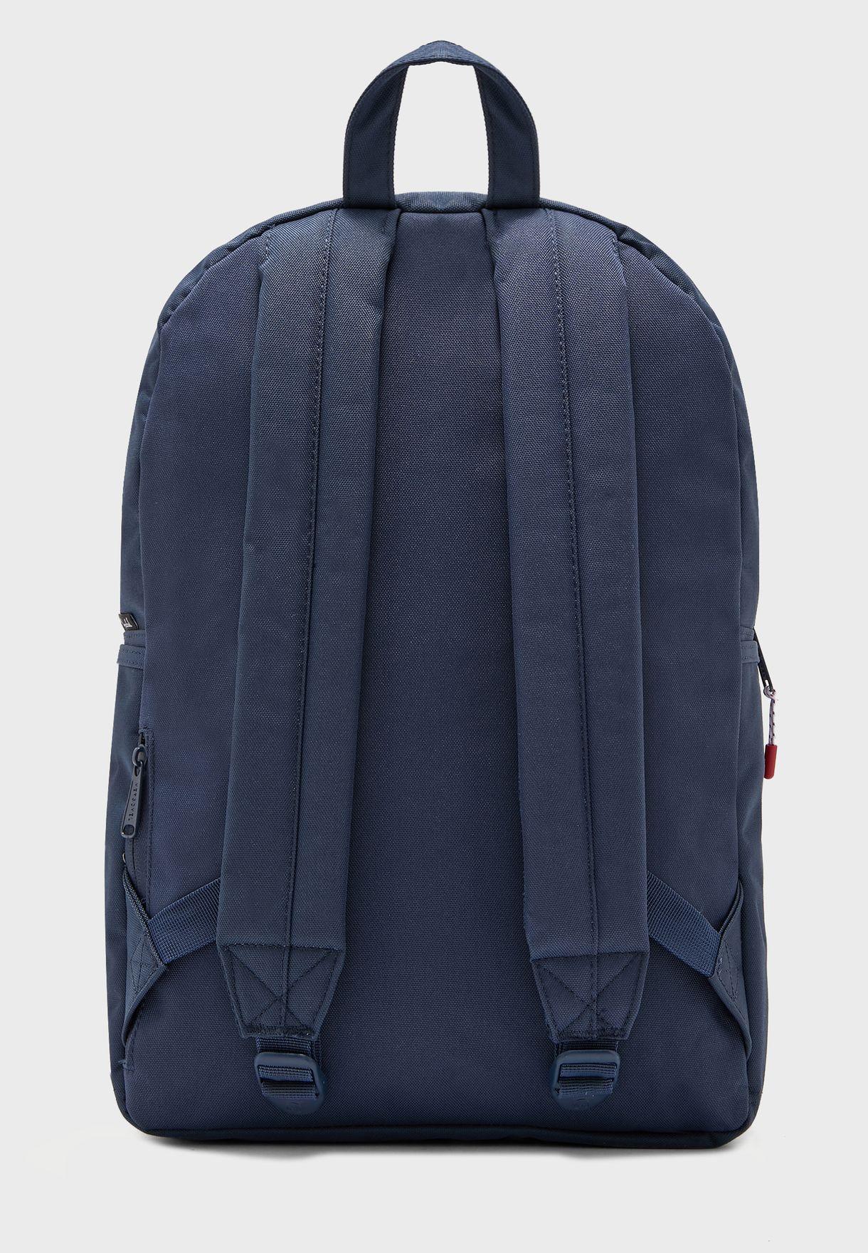 حقيبة ظهر كلاسيكية بجيب امامي