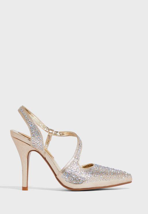 حذاء بدبابيس لامعة