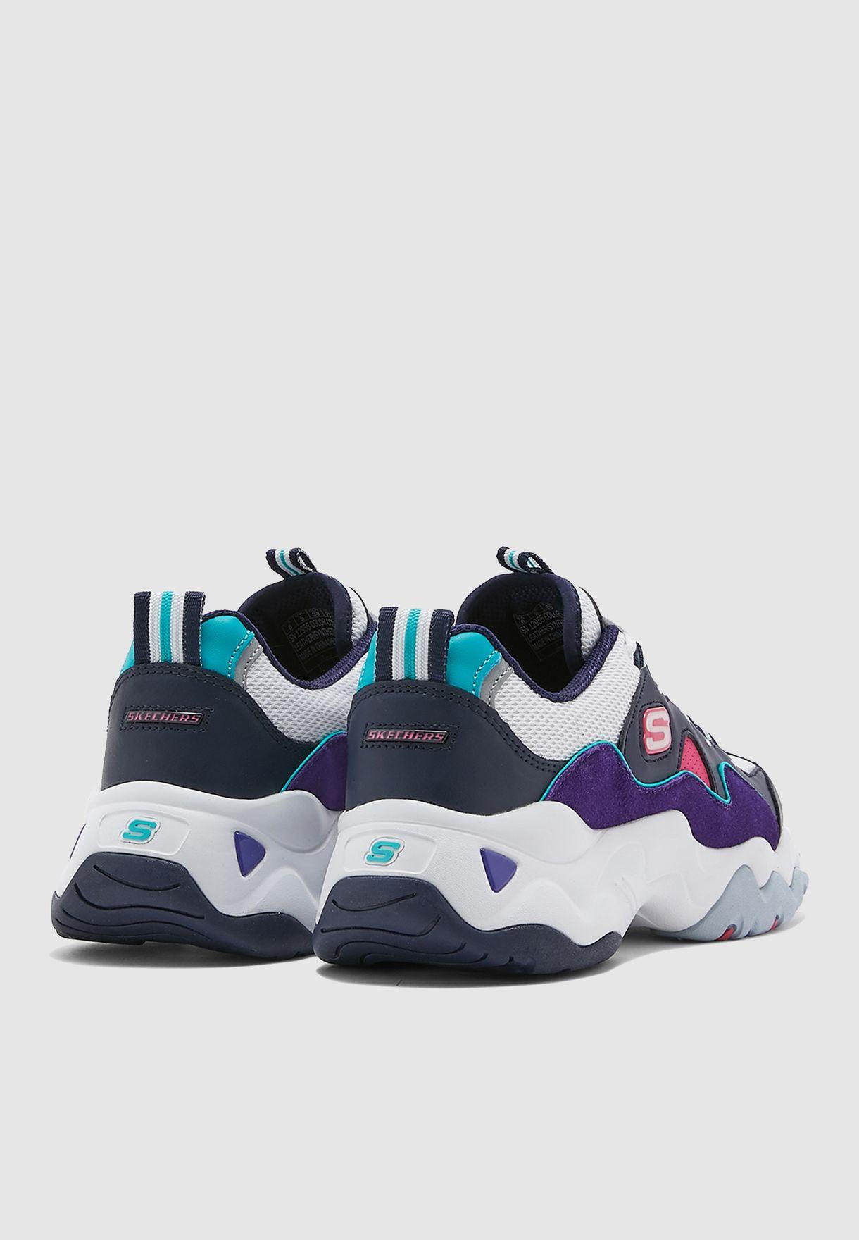 حذاء من مجموعة وان بيس