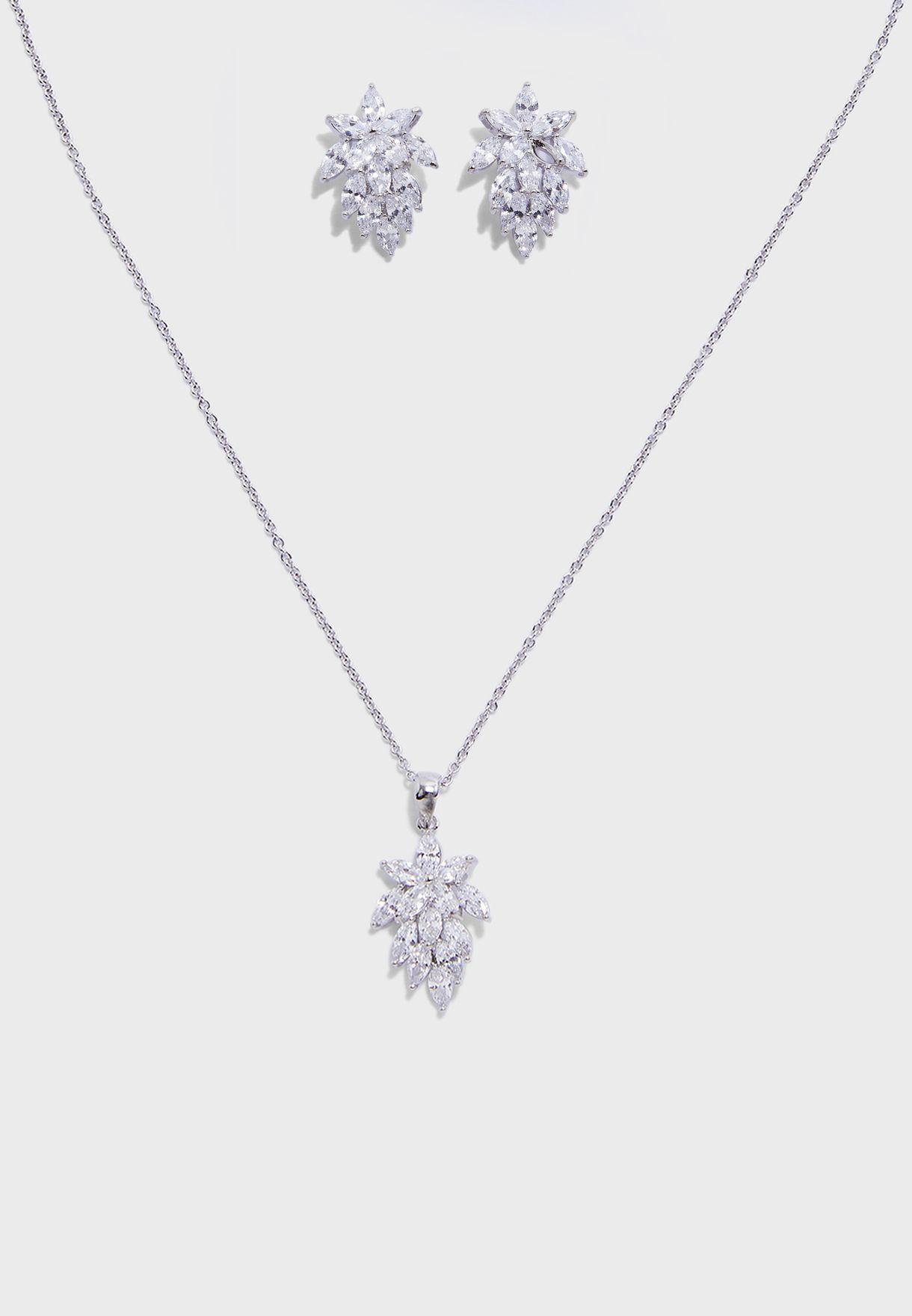 Elivyan Multipack Necklace Set