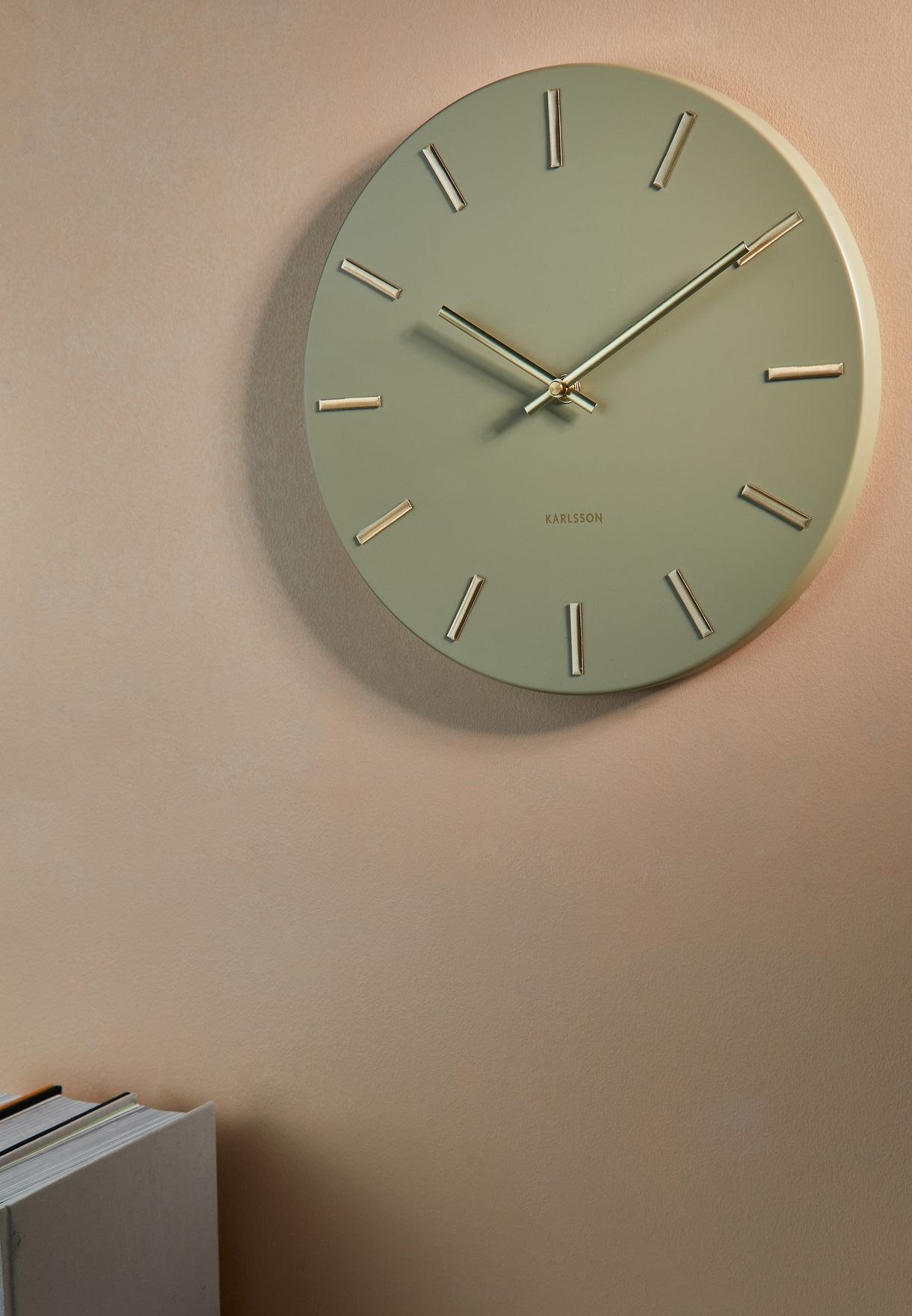 ساعة حائط عصرية