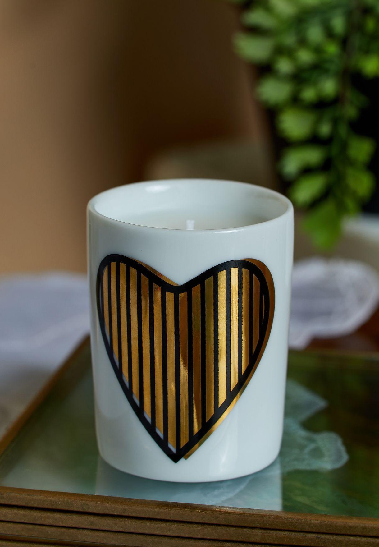 شمعة عطرية صغيرة بطباعة قلب