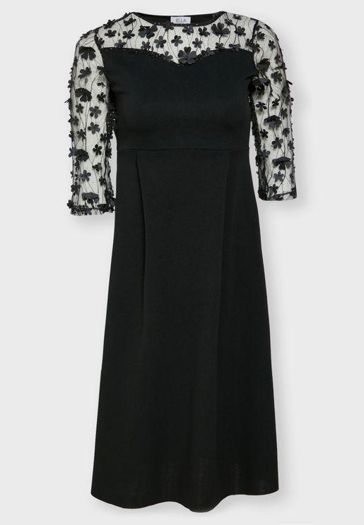 فستان ميدي بياقة شفافة مزين بأزهار