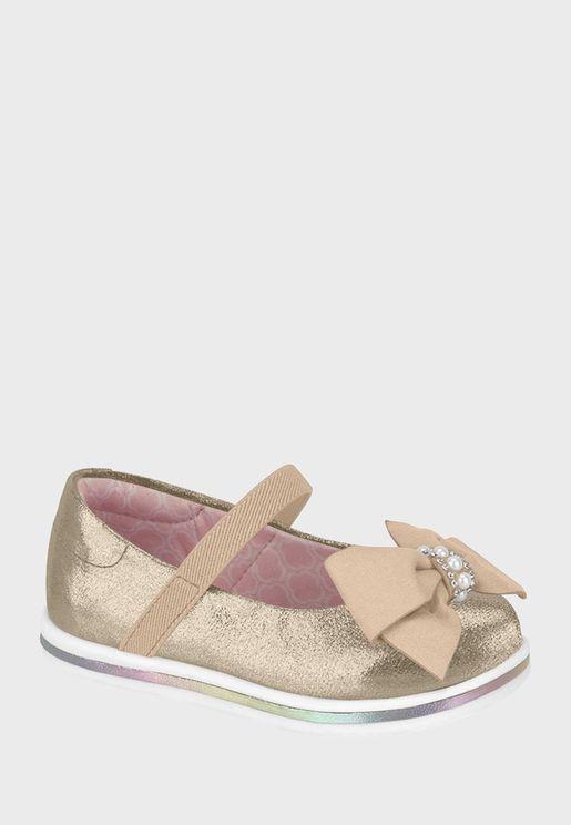 حذاء لامع مزين بفيونكة
