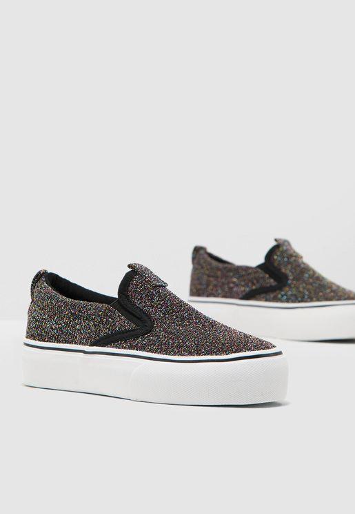 حذاء شبك سهل الارتداء