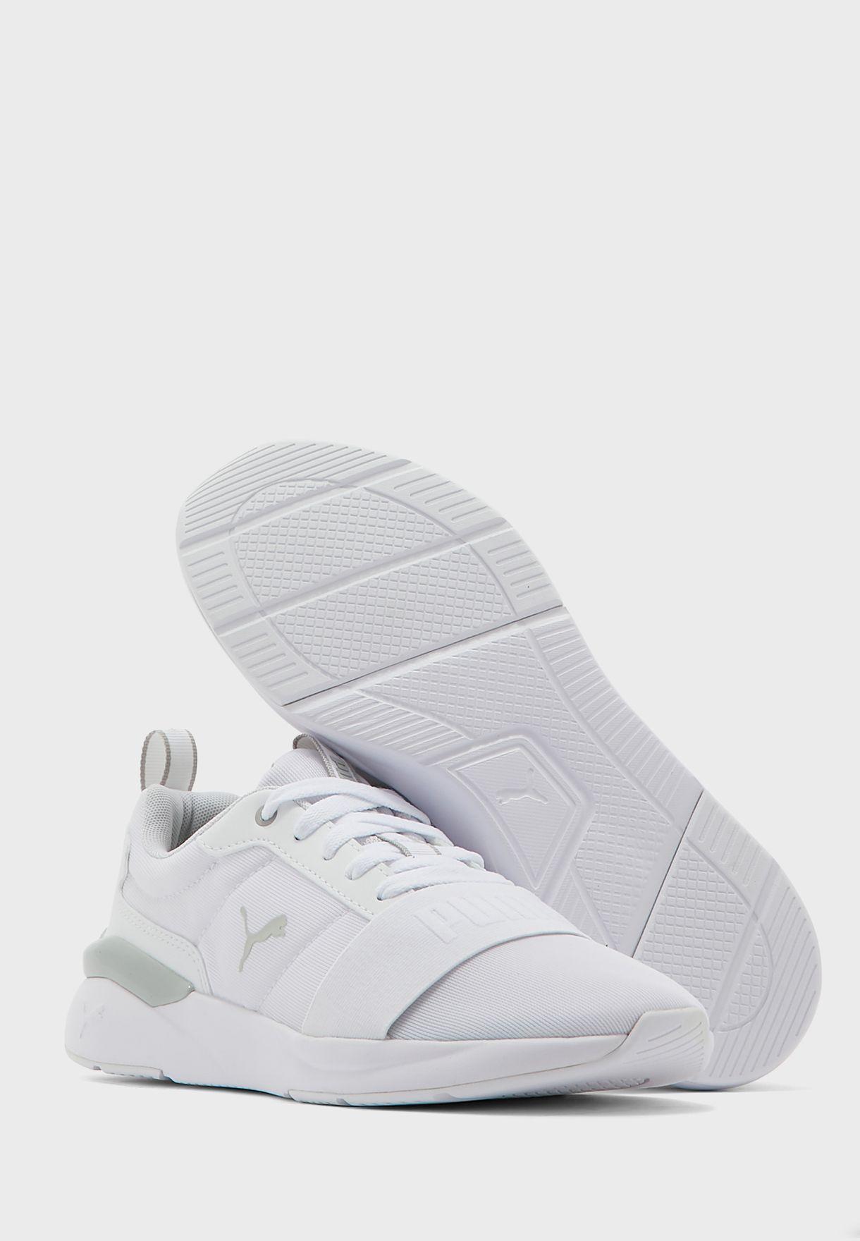 حذاء روز بلس