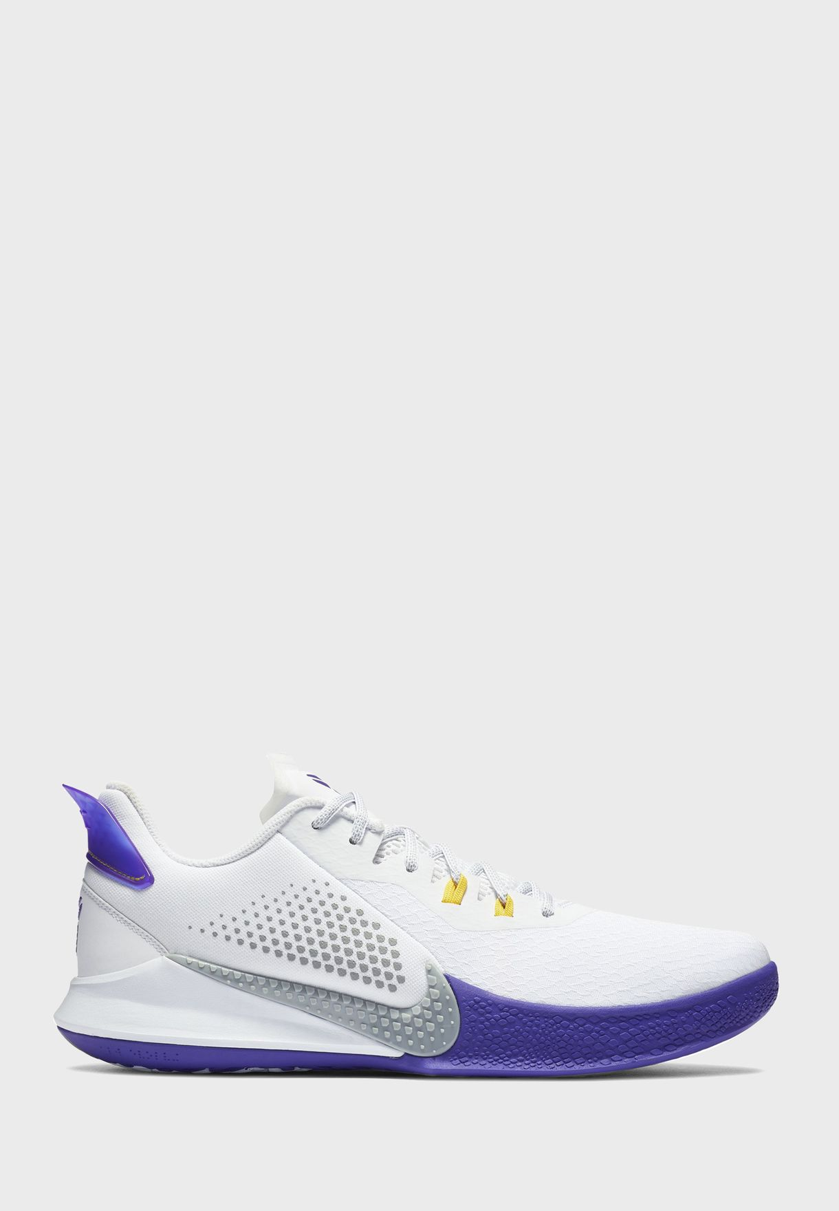 حذاء من مجموعة كوبي براينت