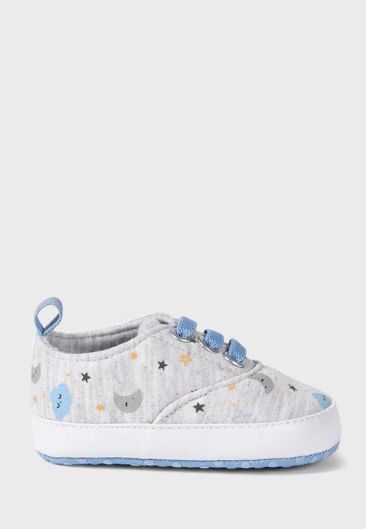 Infant Clouds Print Sneaker