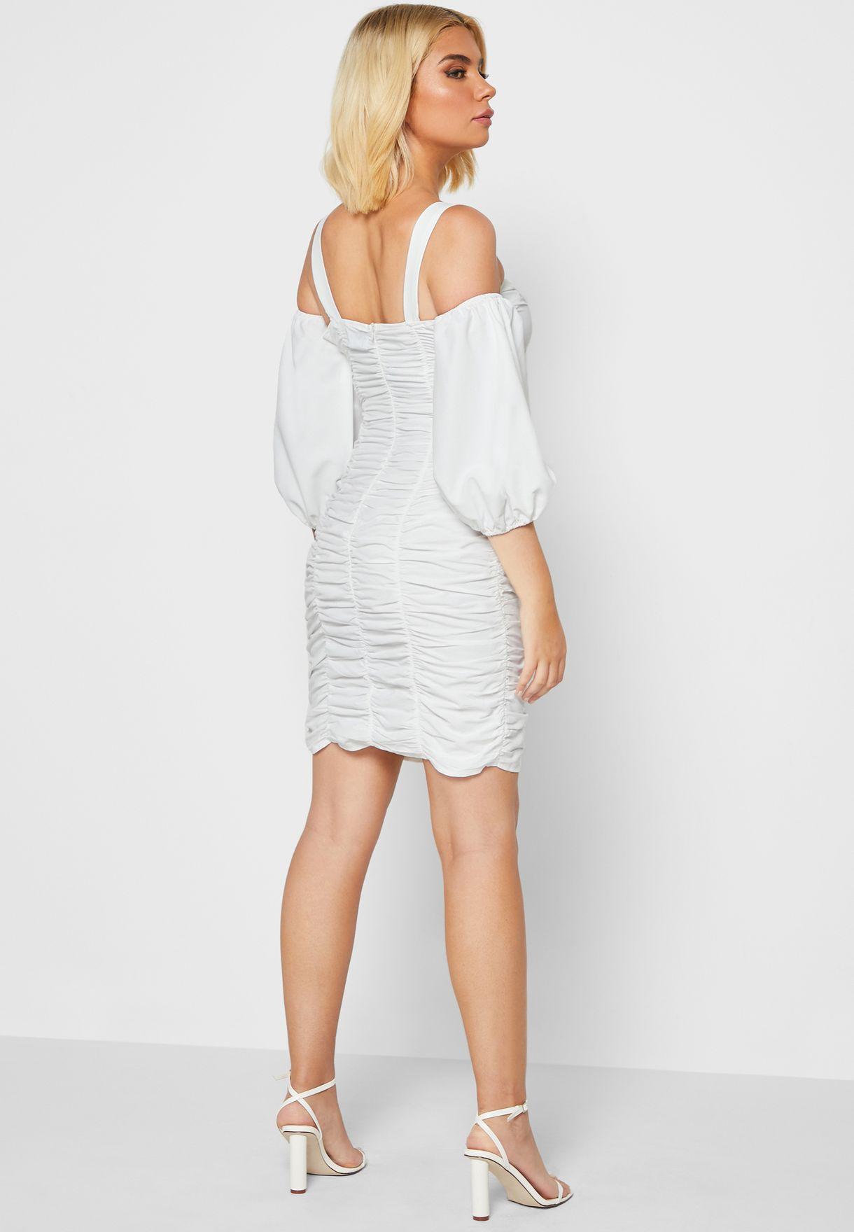 فستان ميني بياقة عارية