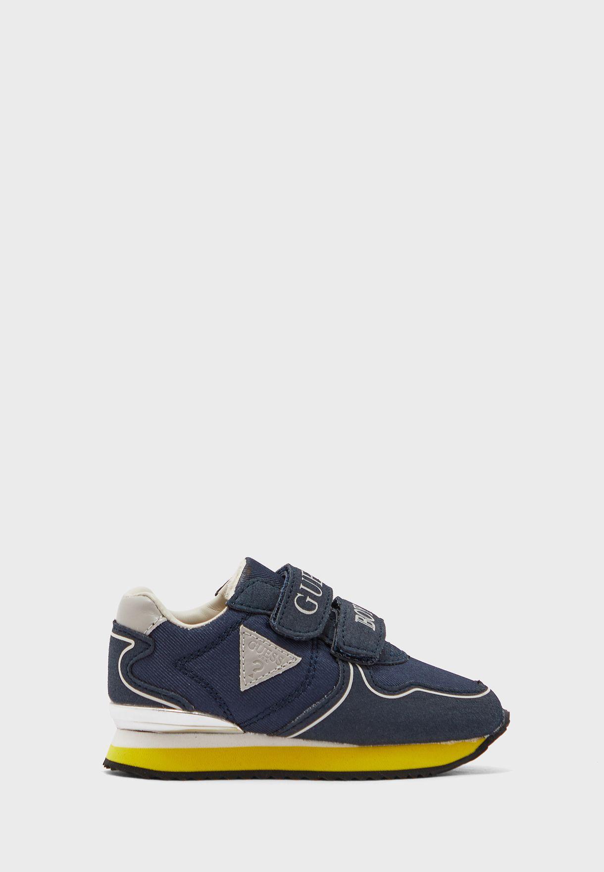 حذاء سنيكرز عصري للاطفال