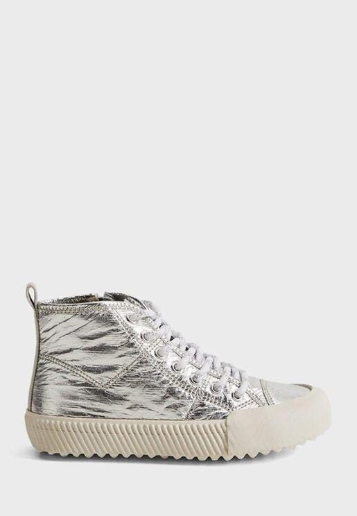 حذاء سنيكرزلامع