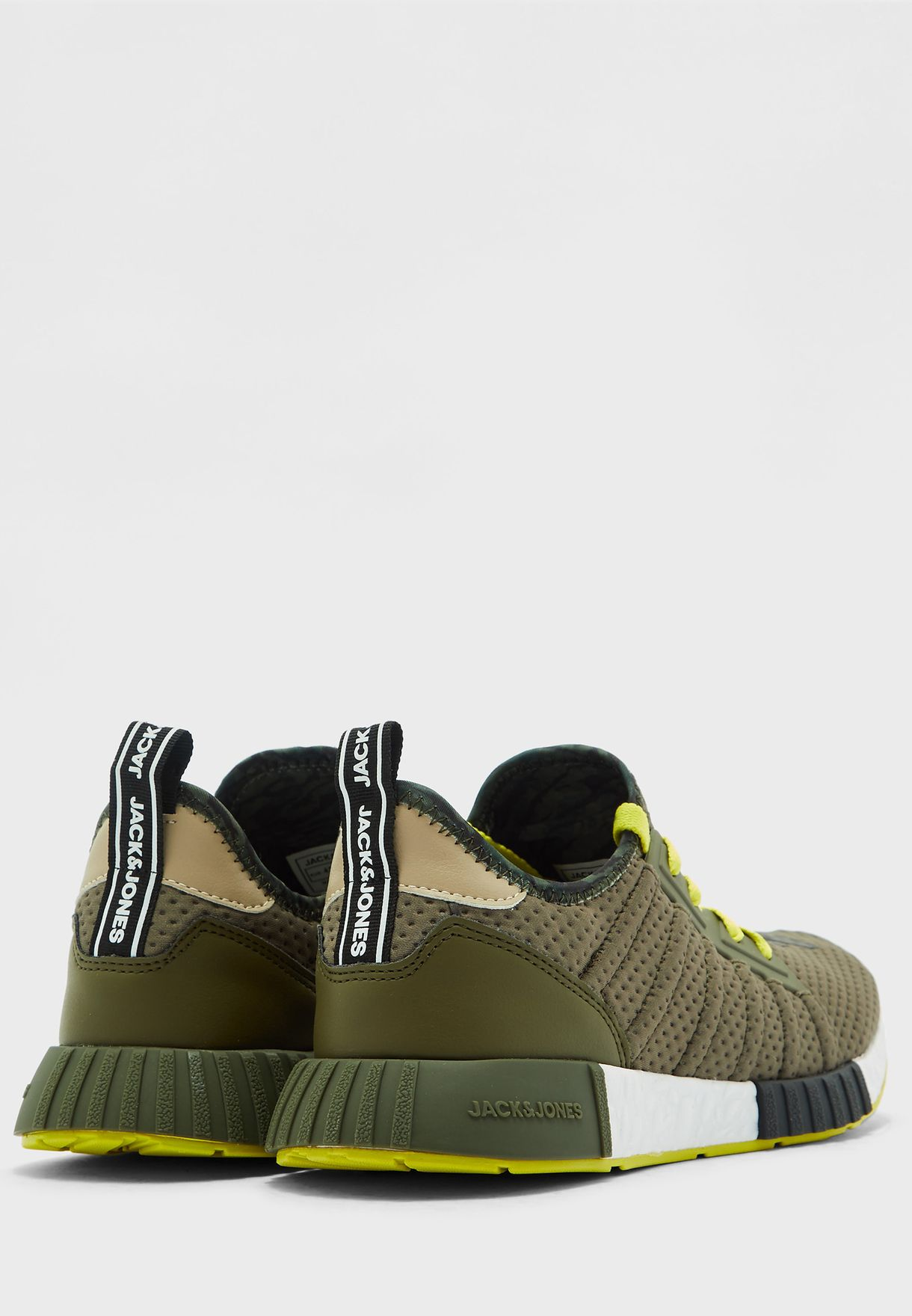 Mad Mike Sneakers