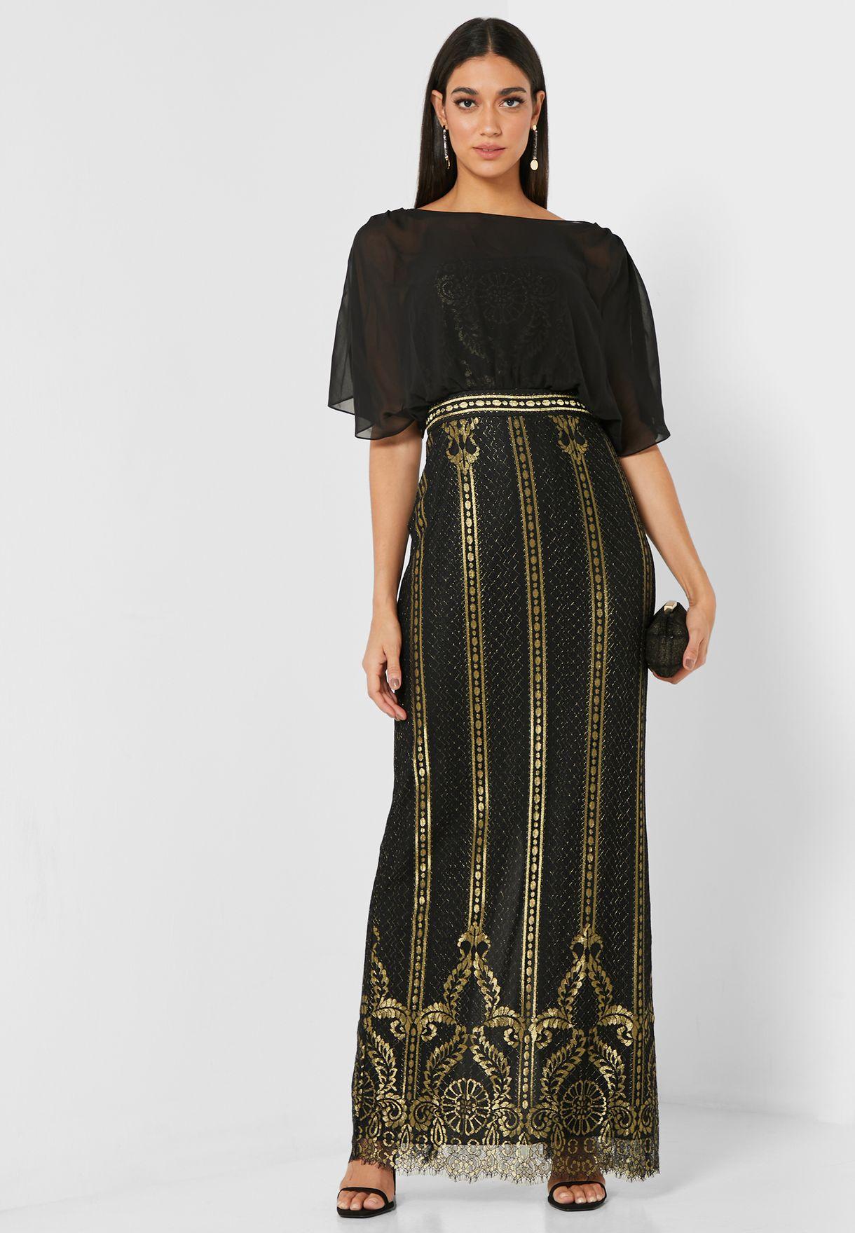 فستان مزين بانماط مطرزة