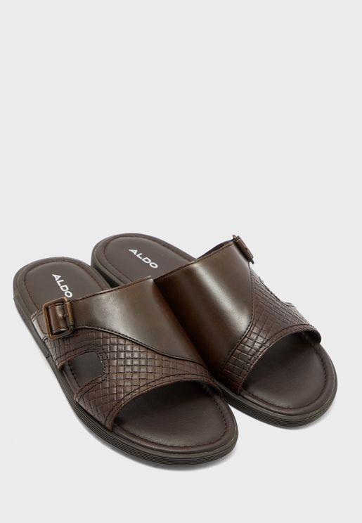 Chaeven Flat Sandal