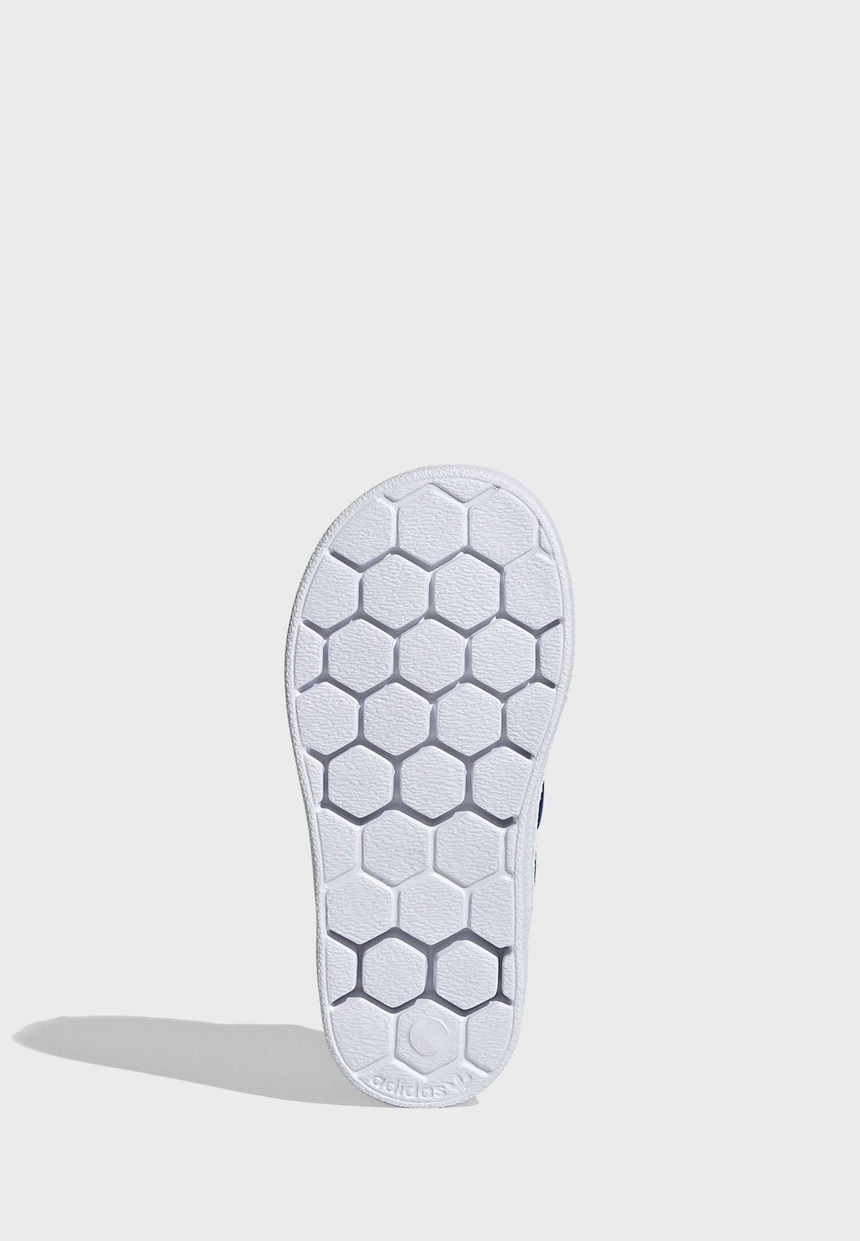 حذاء رياضي عصري للجنسين