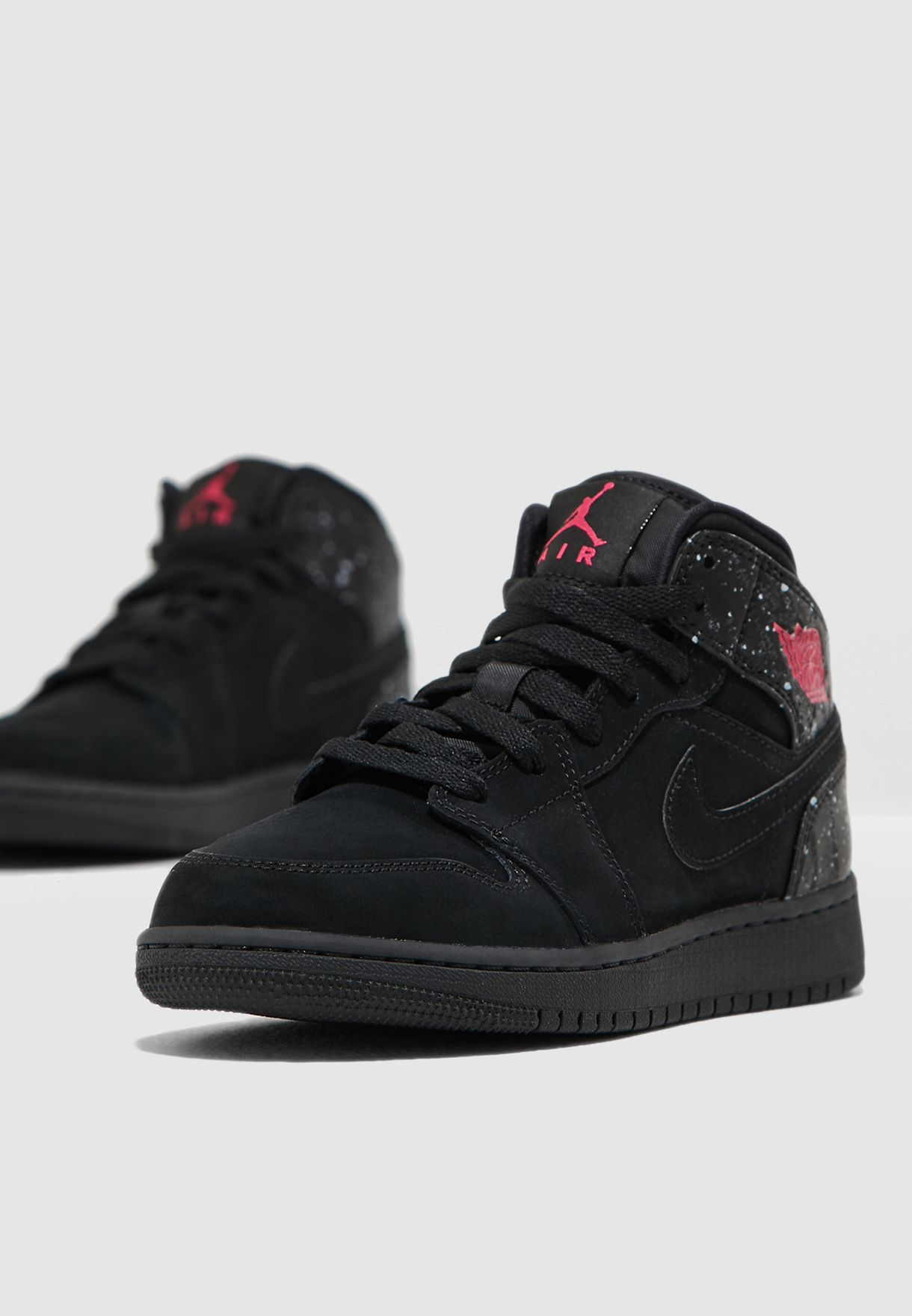 fb893826553010 Shop Nike black Air Jordan 1 Mid 555112-001 for Kids in Kuwait -  72704SH19HNP