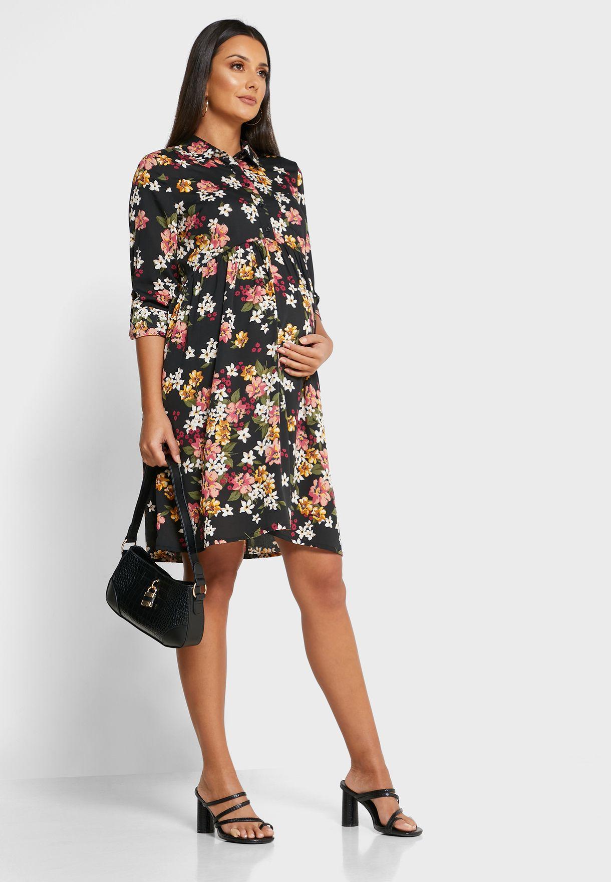 فستان مزين بطبعات ازهار
