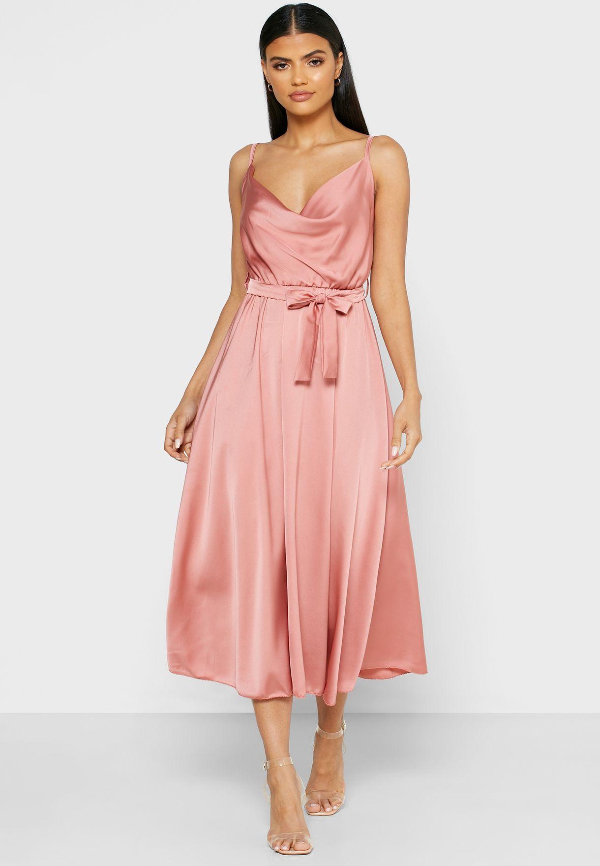 فستان ماكسي بأربطة خصر