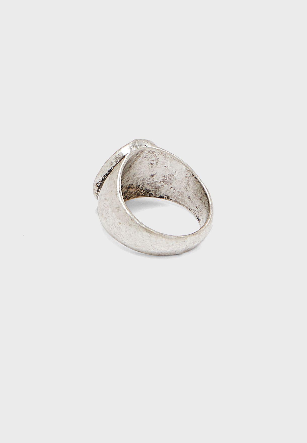 خاتم دائري عريض