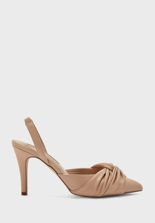 Delight Bow Front Court Pump