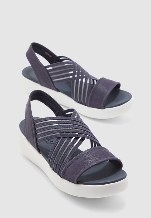 حذاء لايت ستار