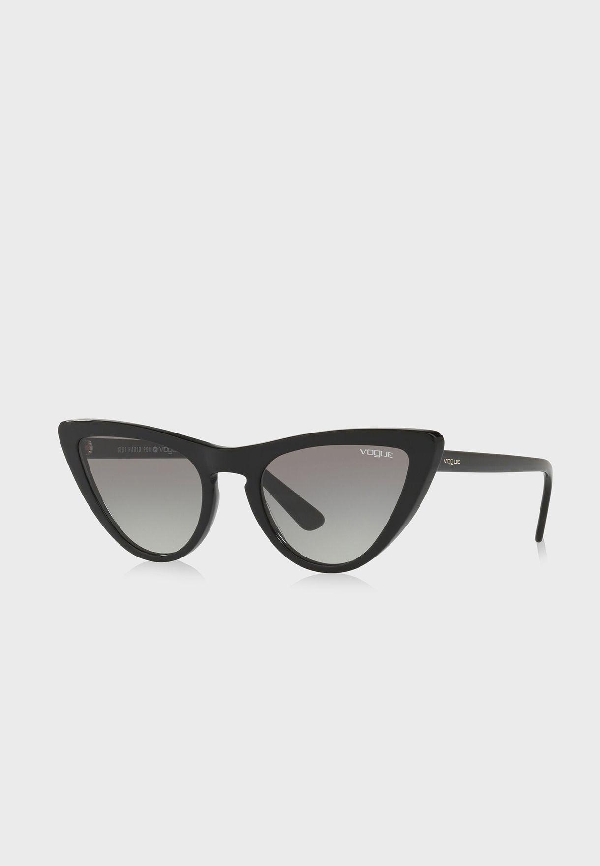 نظارة شمسية من مجموعة جيجي حديد