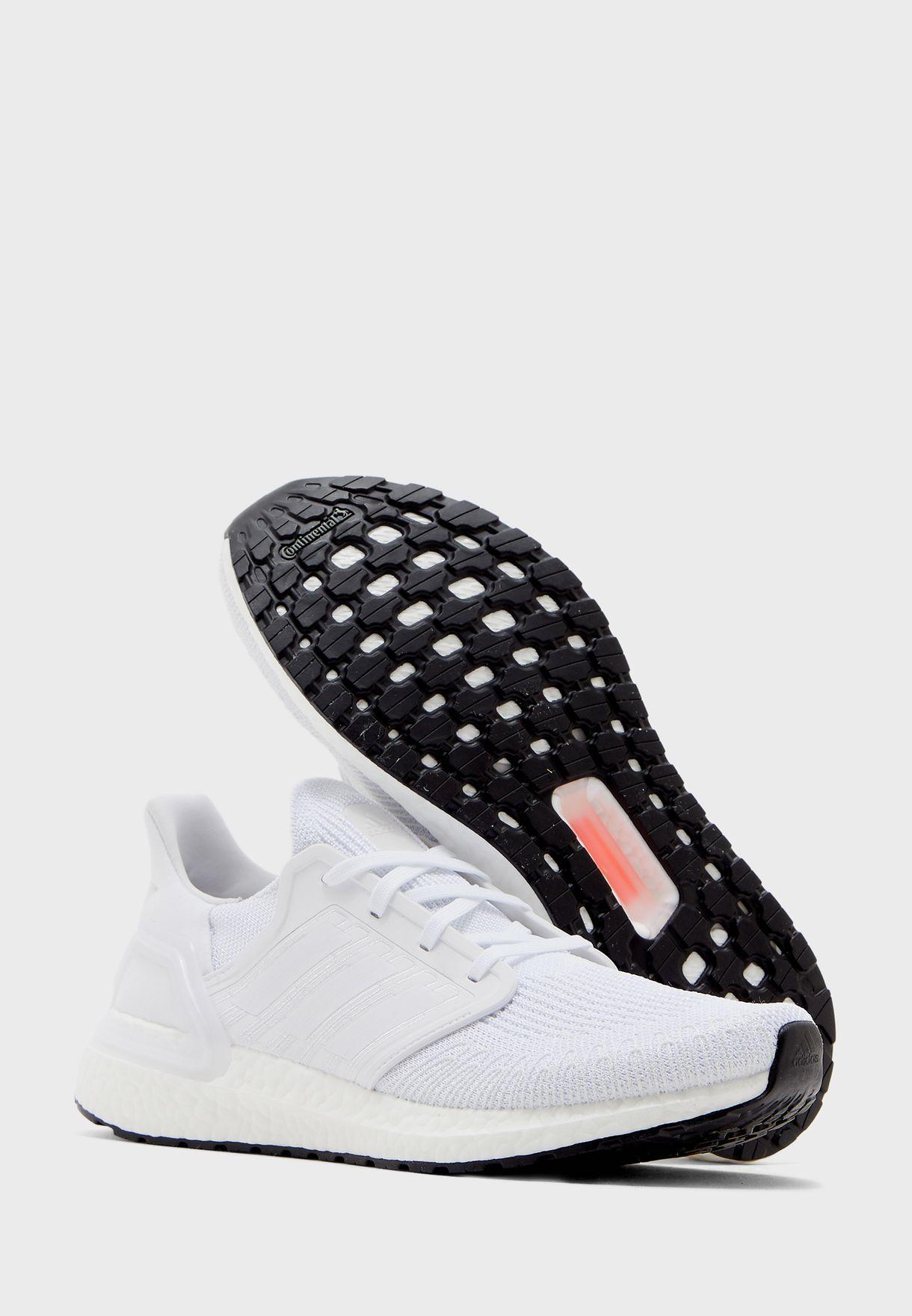 حذاء الترا بوست 20
