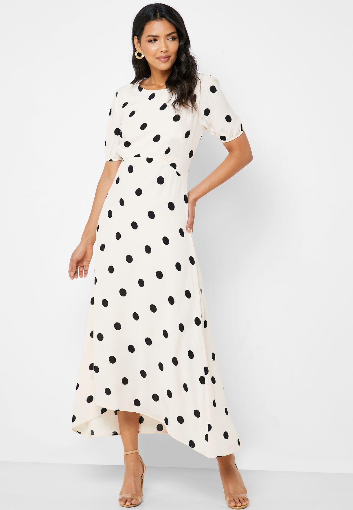 فستان بطبعات نقاط بولكا