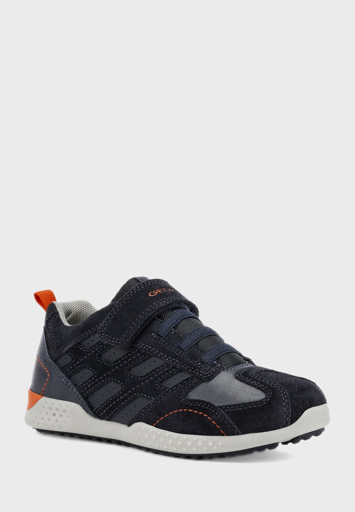 حذاء سنيكرز سنيك 2