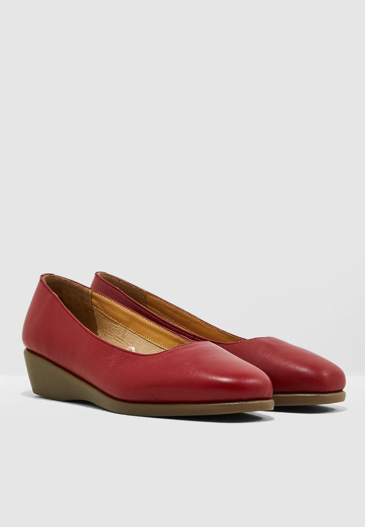 Casual Wedge Pump - Red