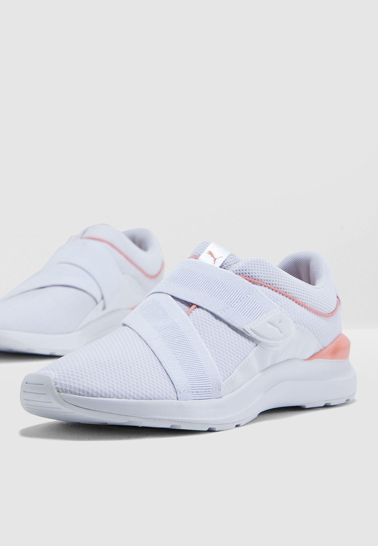 PUMA Women/'s Adela X Sneaker