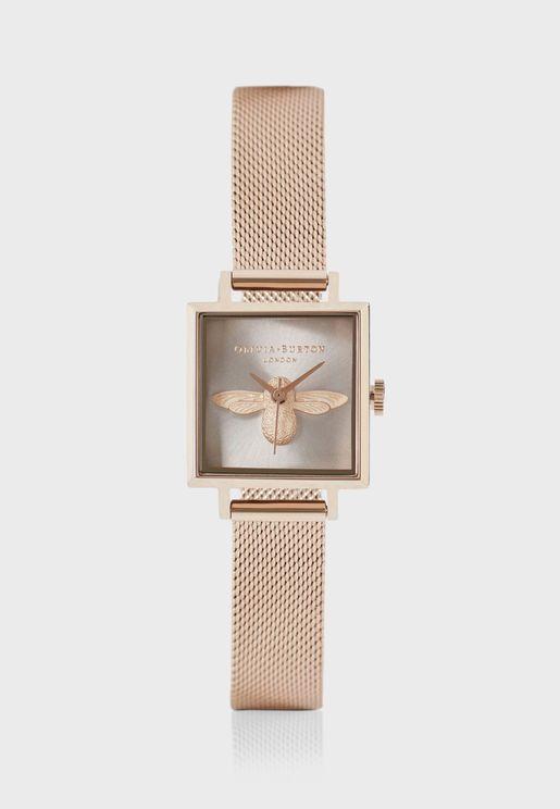 ساعة انالوج مزينة بتصميم ثلاثي الابعاد
