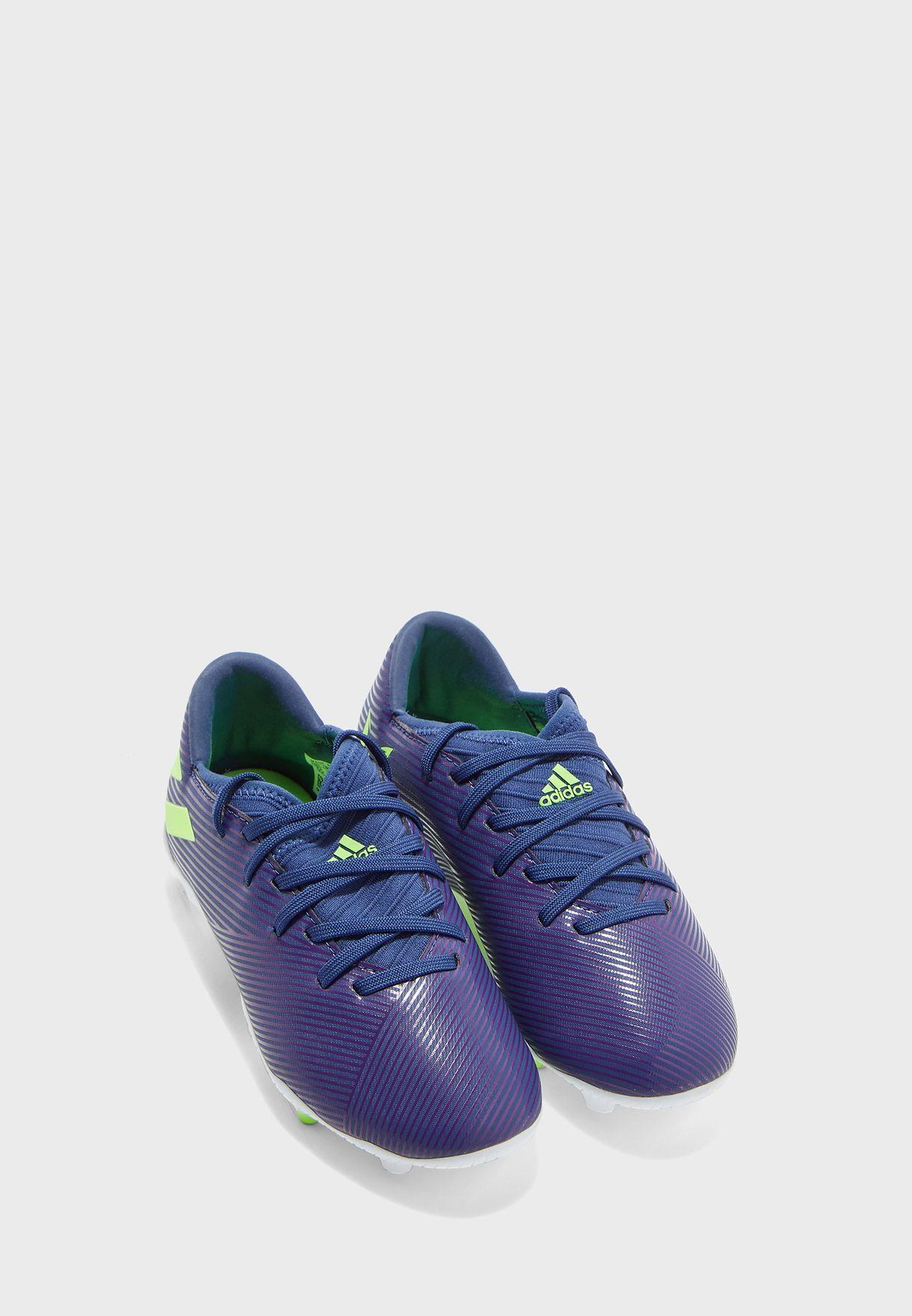 حذاء من مجموعة ميسي