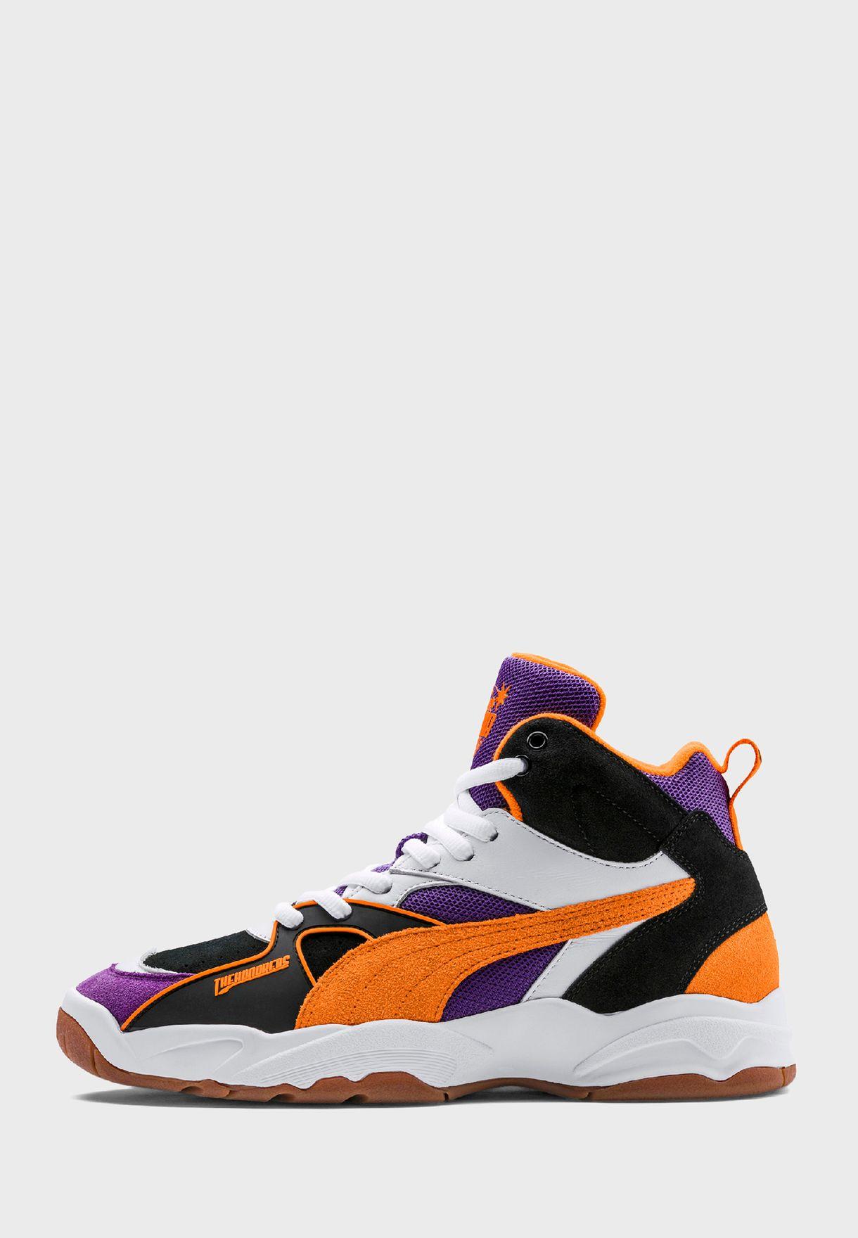حذاء من مجموعة ذا هندردز