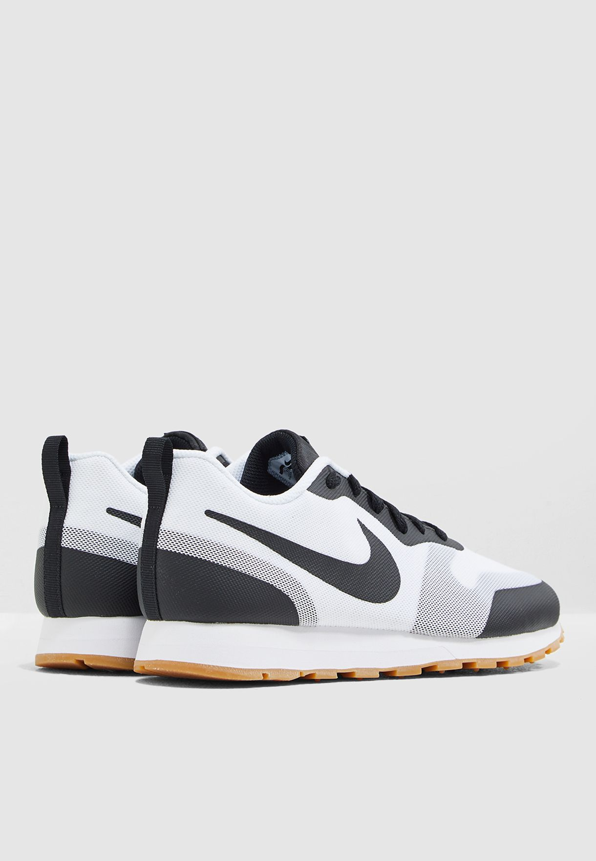 espiral bolsillo Cartero  Buy Nike monochrome MD Runner 2 19 for Men in MENA, Worldwide | AO0265-100