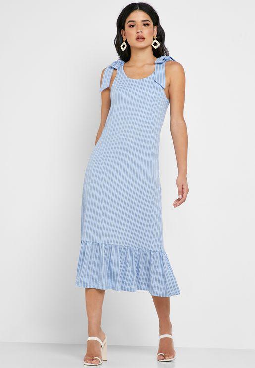 فستان بأربطة عند الاكتاف