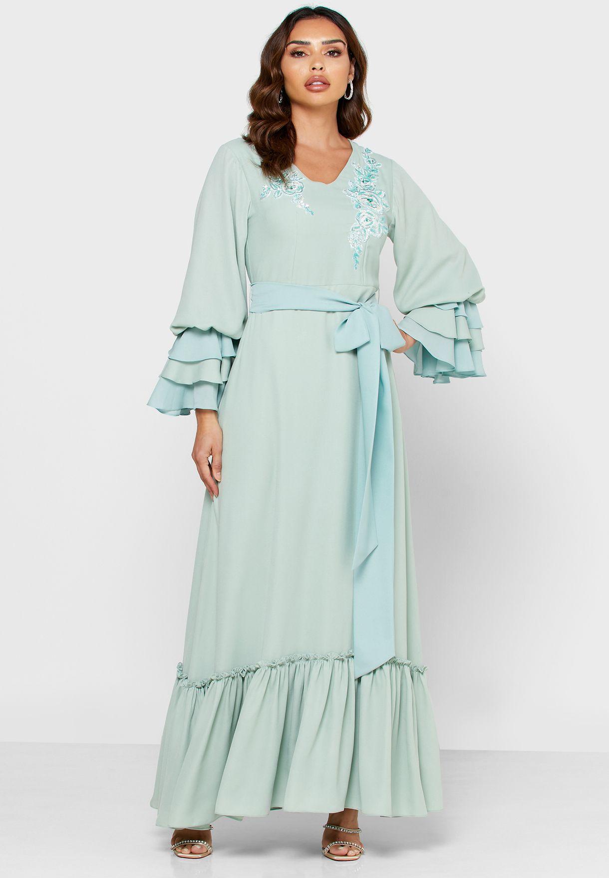 فستان دانتيل بتطريز ازهار وترتر