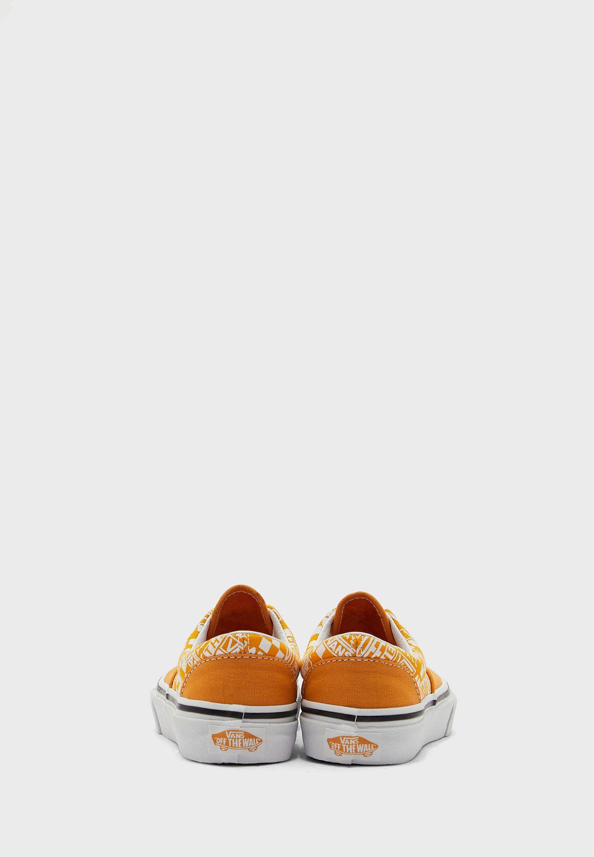 حذاء اوف ذا وول ايرا