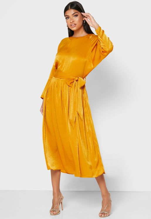 فستان بنمط لف