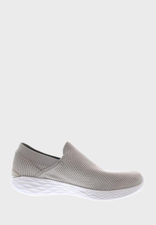 حذاء يو - رايز