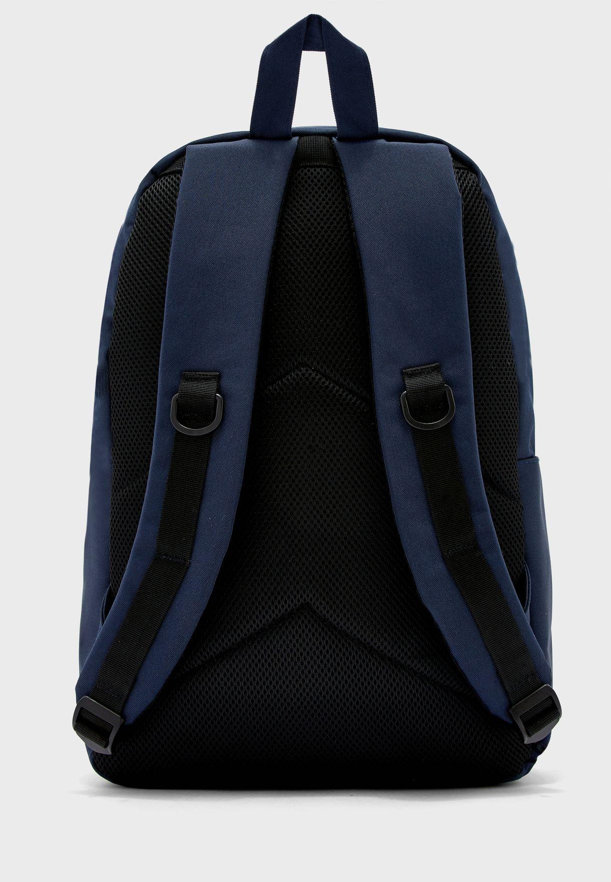 حقيبة ظهر بحمالات مبطنة