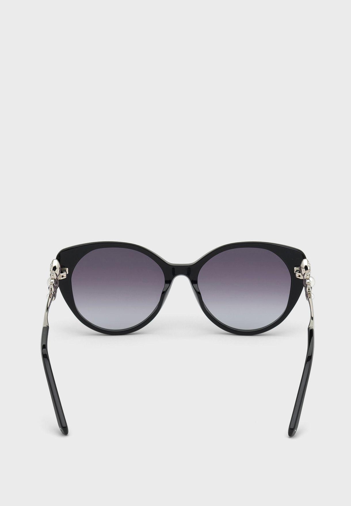 نظارة شمسية بعدسات مظللة