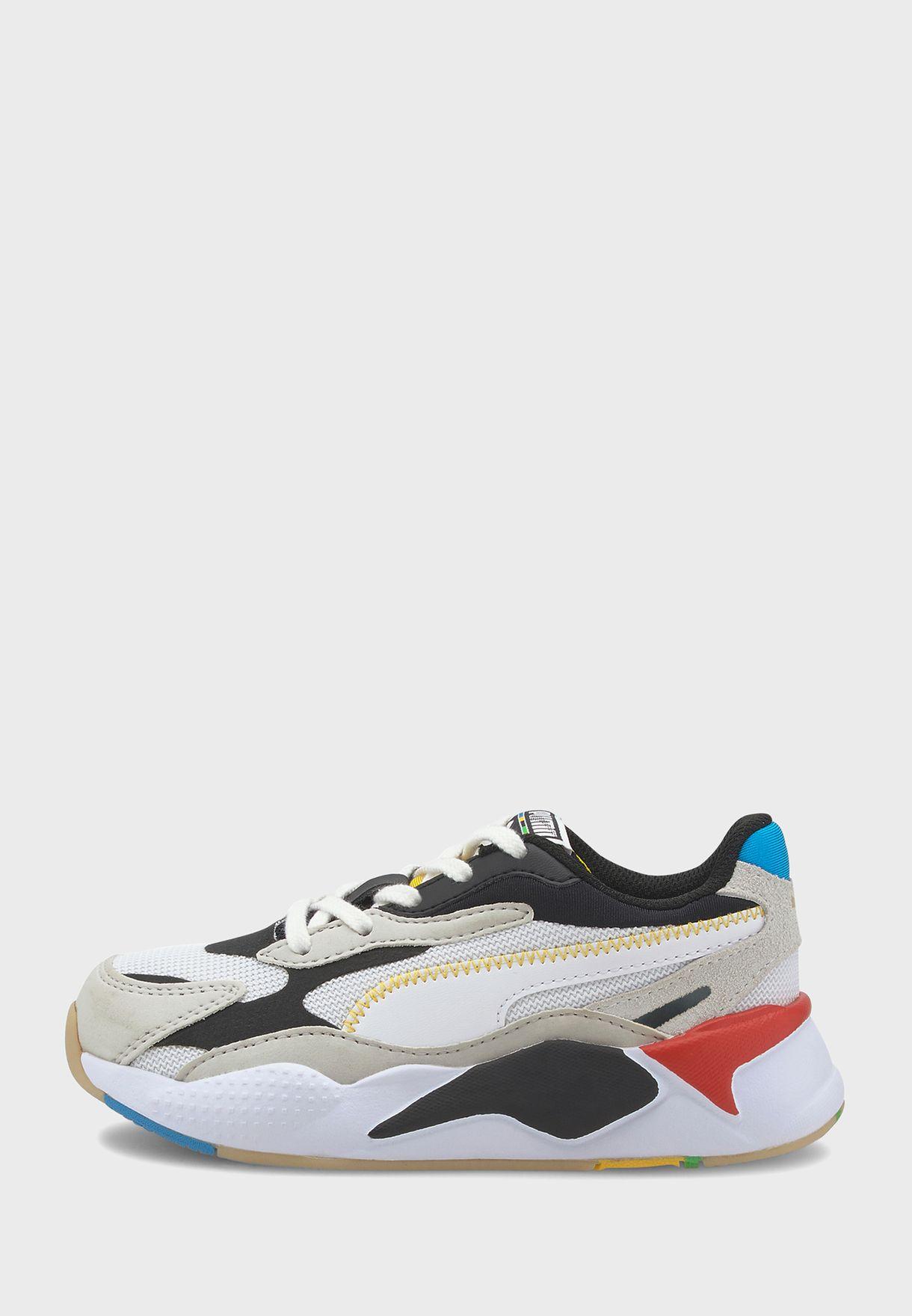 حذاء من مجموعة  ار اس - اكس ايه³