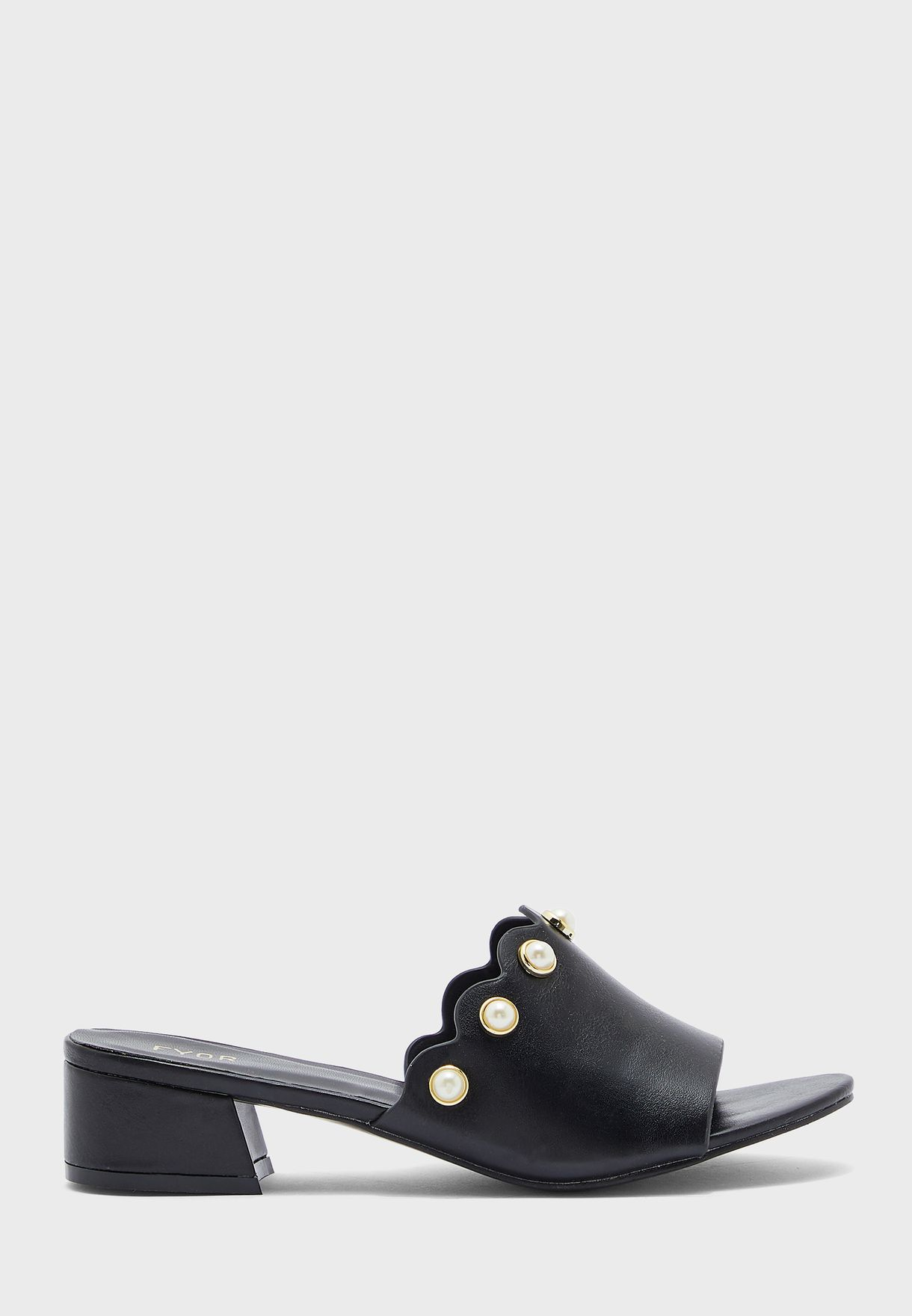 Cut Out Low Heel Sandals