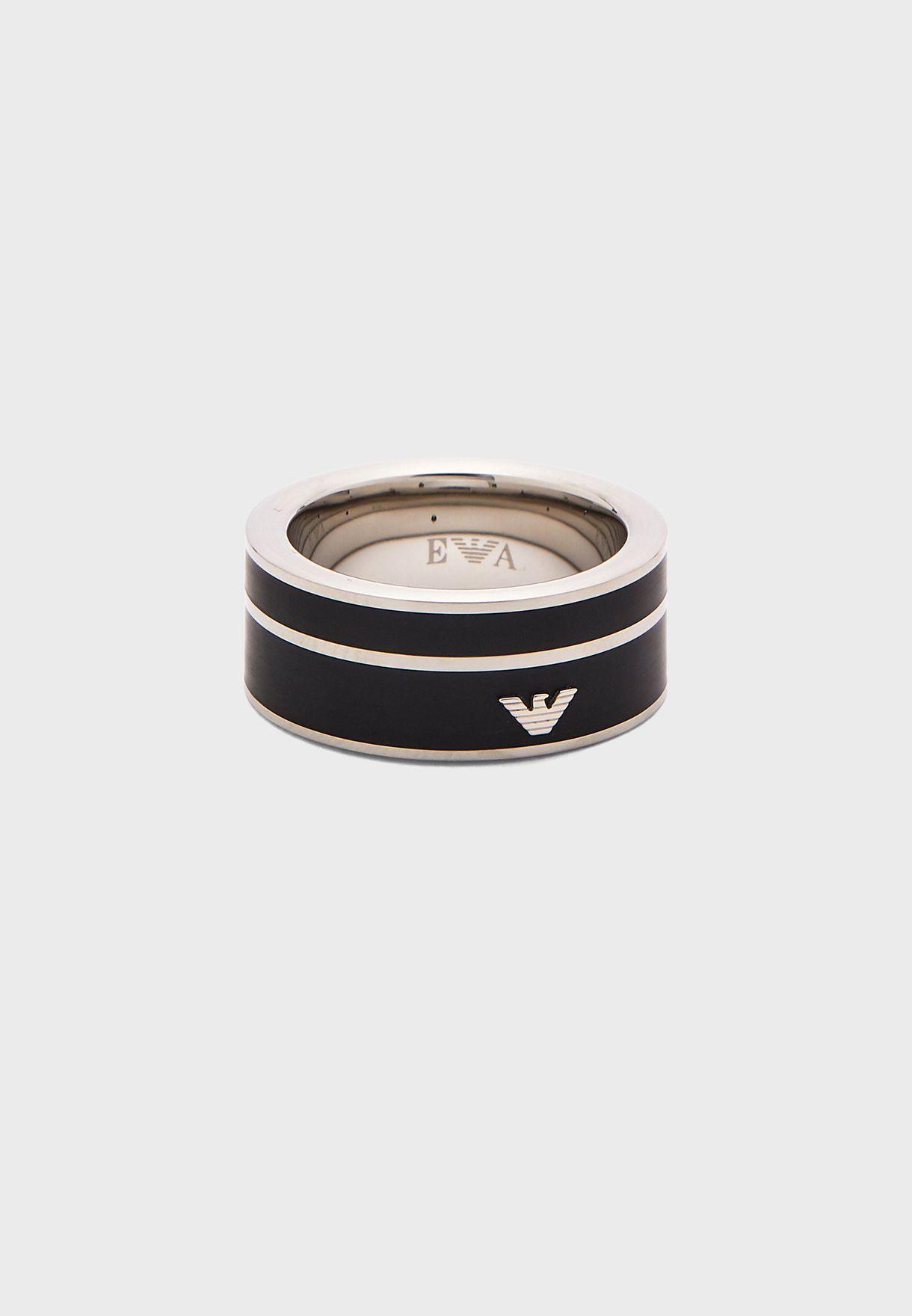 خاتم بشعار الماركة